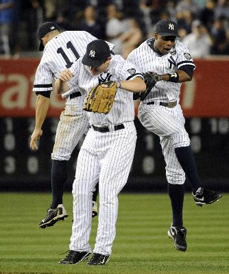 Yankees celebrating.jpg